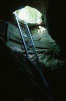 洞穴の開口