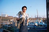 漁師 02208000321| 写真素材・ストックフォト・画像・イラスト素材|アマナイメージズ