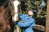 馬と日本人の女の子