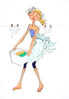 せんたく物を干そうとしている女性 02237000648| 写真素材・ストックフォト・画像・イラスト素材|アマナイメージズ