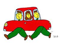省エネの赤い車で家族でお出かけ