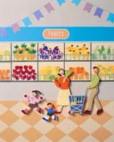 スーパーマーケットで買い物する4人家族