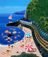 海沿いを走る電車と海水浴客 02237003910| 写真素材・ストックフォト・画像・イラスト素材|アマナイメージズ