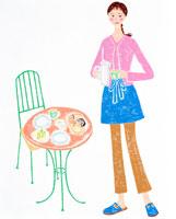 ガーデンテーブルと朝食の用意をする女性 02237004043| 写真素材・ストックフォト・画像・イラスト素材|アマナイメージズ
