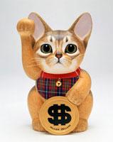 ドルを持ったアビシニアン招き猫