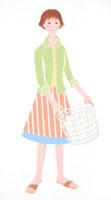 洗濯物のカゴを持つ女性 02237012124| 写真素材・ストックフォト・画像・イラスト素材|アマナイメージズ
