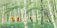 緑の林を探検する子供