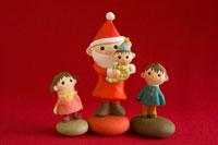サンタクロースと子供たち 02240000077| 写真素材・ストックフォト・画像・イラスト素材|アマナイメージズ