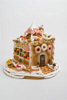 お菓子の家 02240000083B| 写真素材・ストックフォト・画像・イラスト素材|アマナイメージズ