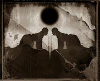 左右対称の人物の影 B/W