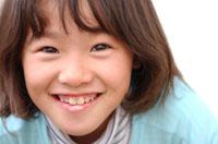 女の子顔アップ 02253004268| 写真素材・ストックフォト・画像・イラスト素材|アマナイメージズ