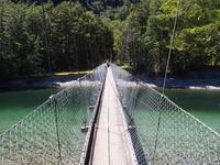 ミルフォード・トラック つり橋