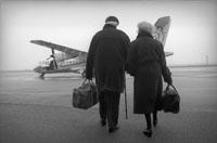 飛行場の老夫婦
