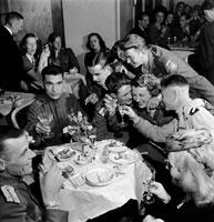 ベルリン 1945 02265000380| 写真素材・ストックフォト・画像・イラスト素材|アマナイメージズ