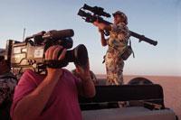 エジプト兵とテレビクルー    サウジアラビア 1990