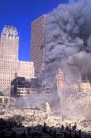 ビルとがれきと煙と青空 NY アメリカ 2001年9月 02265007548| 写真素材・ストックフォト・画像・イラスト素材|アマナイメージズ