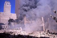 ビルとがれきと煙と青空 NY アメリカ 2001年9月 02265007550| 写真素材・ストックフォト・画像・イラスト素材|アマナイメージズ