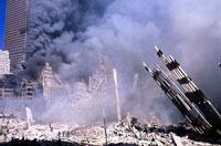 がれきと煙とビルと青空 NY アメリカ 2001年9月 02265007555| 写真素材・ストックフォト・画像・イラスト素材|アマナイメージズ