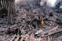 壊れた建物とがれきと煙 NY アメリカ 2001年9月 02265007595| 写真素材・ストックフォト・画像・イラスト素材|アマナイメージズ