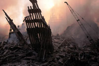 壊れた建物とがれきと煙 NY アメリカ 2001年9月 02265007596| 写真素材・ストックフォト・画像・イラスト素材|アマナイメージズ