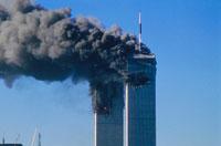 黒煙を出し壊れる2棟のビル NY アメリカ 2001年9月 02265007605| 写真素材・ストックフォト・画像・イラスト素材|アマナイメージズ