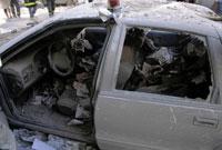 窓ガラスが割れ埃まみれの車 NY アメリカ 2001年9月 02265007612| 写真素材・ストックフォト・画像・イラスト素材|アマナイメージズ