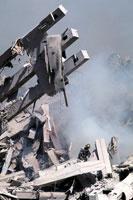 がれきと壊れた建物 NY アメリカ 2001年9月 02265007618| 写真素材・ストックフォト・画像・イラスト素材|アマナイメージズ