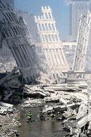 壊れた建物とがれきと水たまり NY アメリカ 2001年9月 02265007624| 写真素材・ストックフォト・画像・イラスト素材|アマナイメージズ