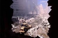 がれきとホイルローダー NY アメリカ 2001年9月 02265007633| 写真素材・ストックフォト・画像・イラスト素材|アマナイメージズ