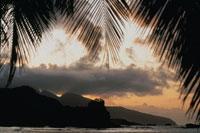 島と雲のシルエット(オレンジ色) ドミニカ島 カリブ海 02265015250| 写真素材・ストックフォト・画像・イラスト素材|アマナイメージズ