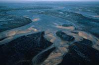 広大な川の風景 アルカッション アキテーヌ フランス 02265015298| 写真素材・ストックフォト・画像・イラスト素材|アマナイメージズ