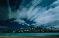 湖と山 ボリビア 02265021830| 写真素材・ストックフォト・画像・イラスト素材|アマナイメージズ