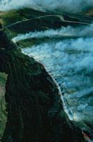 噴火したエトナ山の溶岩流の煙 シシリー島 イタリア