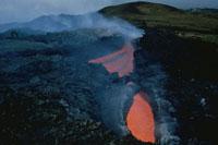 噴火したエトナ山の火口 シシリー島 イタリア
