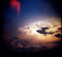 雲と光 02265036169| 写真素材・ストックフォト・画像・イラスト素材|アマナイメージズ