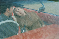 オープンカーに乗る60年代のカップル 02265036600| 写真素材・ストックフォト・画像・イラスト素材|アマナイメージズ