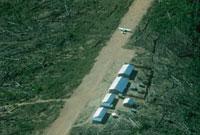 森林を切り開いて作られた飛行場 アマゾン 1989年