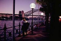 水辺のカップル シドニー