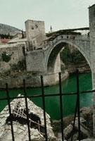 破壊された橋 モスタル ボスニア 1993年