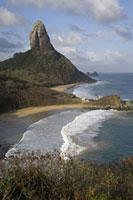 奇岩と海を望む 02265038031| 写真素材・ストックフォト・画像・イラスト素材|アマナイメージズ