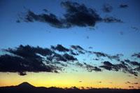 夕焼けの雲と富士山