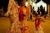 フェリア デ カバジョ(馬祭り)伝統衣装で着飾る女性たち