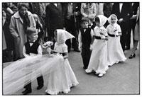 結婚式の子供達