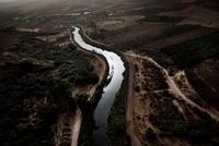 流れる川 02265040547| 写真素材・ストックフォト・画像・イラスト素材|アマナイメージズ