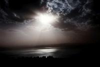湖に差す光