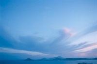 ナポリ湾と雲