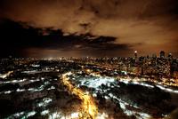 セントラルパークとマンハッタンのビル群の夜景