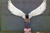 SOUTH KOREA. Jeongsun Station. 2013. Child with photographer background. 02265047609| 写真素材・ストックフォト・画像・イラスト素材|アマナイメージズ