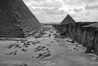 EGYPT. Cairo. December 2013. The Giza Pyramids on the outskirts of Cairo. 02265047629| 写真素材・ストックフォト・画像・イラスト素材|アマナイメージズ