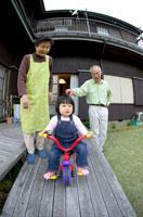 家族 02266005699| 写真素材・ストックフォト・画像・イラスト素材|アマナイメージズ